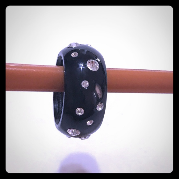 Jewelry - Black Dome Ring with Crystals [JW-63]